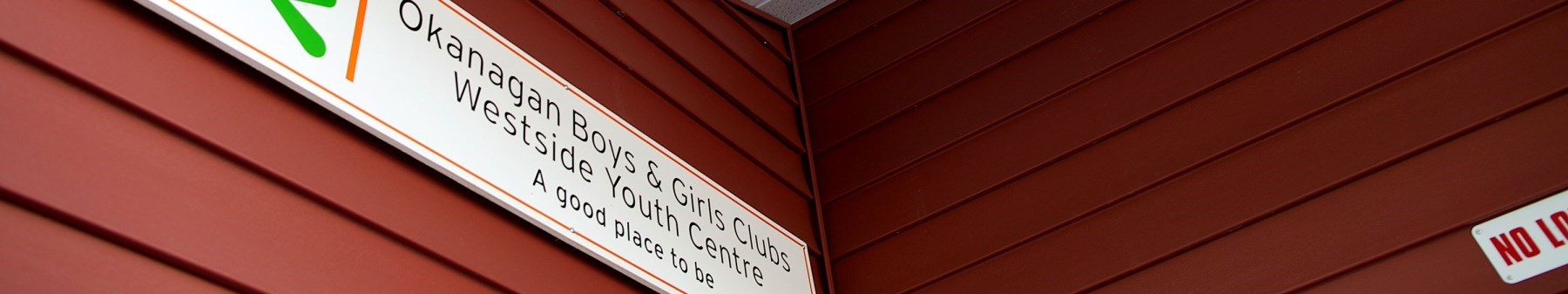 Youth Centre Sign D-Hull Image